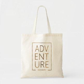 """A folha de ouro """"AVENTURA espera"""" a tipografia Bolsa Tote"""