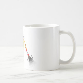 A folha dourada e a forma oval projetam a pesca do caneca de café