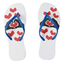A forma do coração entrega a ilustração com chinelos