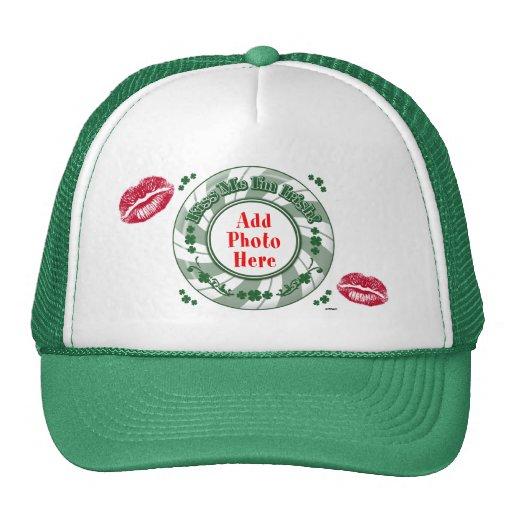 A FOTO beija-me que eu sou beijo listrado verde ir Bonés