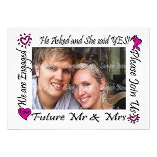 A foto cor-de-rosa dos casais do noivado PERSONALI Convites Personalizados