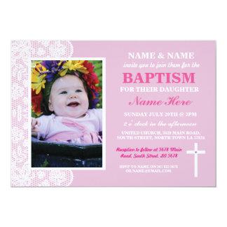 A foto da menina do rosa do baptismo do batismo do convite 12.7 x 17.78cm
