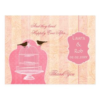 A gaiola de pássaro cor-de-rosa chique, pássaros cartão postal