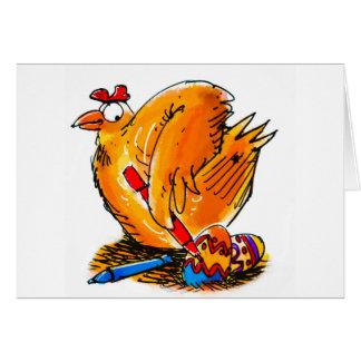 a galinha da caricatura do ovo da páscoa pinta cartão comemorativo