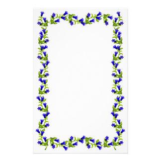 A genciana azul suíça floresce artigos de papelaria