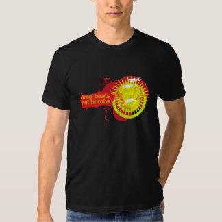 A gota bate não bombas camisetas