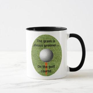 A grama é sempre… um golfe mais verde - caneca