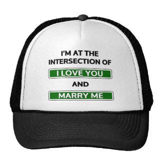 """A intersecção de """"eu te amo"""" e """"casa-me """" boné"""