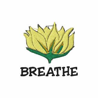 A ioga respira o t-shirt das mulheres bordadas