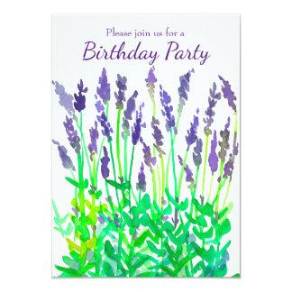A lavanda floresce o convite de aniversário