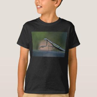 A louva-a-deus Praying caçoa a camiseta