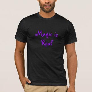 A mágica é Real-t-camisa Camiseta