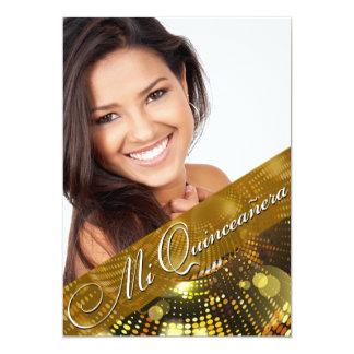 A mágica ilumina a foto Quinceanera - ouro Convite 12.7 X 17.78cm