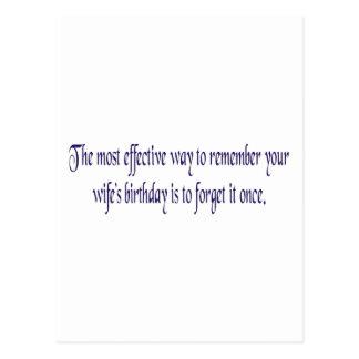 A maioria de modo eficaz recordar seus wifes bday cartão postal