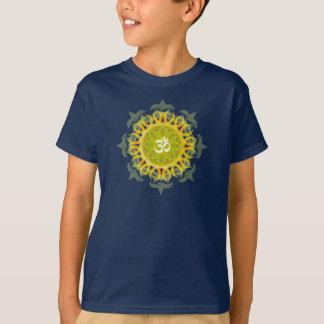 A mandala do OM caçoa o t-shirt escuro Camiseta