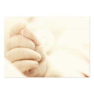 A mão do bebê cartão de visita grande