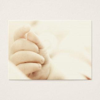 A mão do bebê cartão de visitas