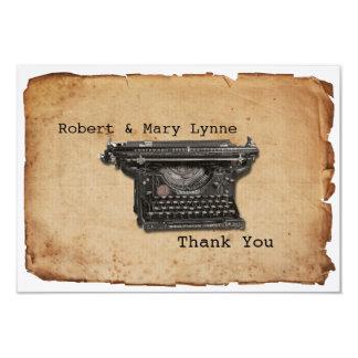 A máquina de escrever do vintage personaliza o convite 8.89 x 12.7cm