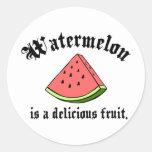 A melancia é uma fruta deliciosa adesivo redondo