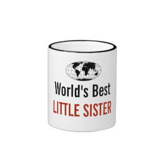 A melhor irmã mais nova do mundo caneca com contorno