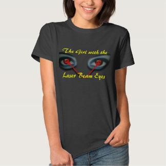 A menina com os olhos do raio laser camiseta