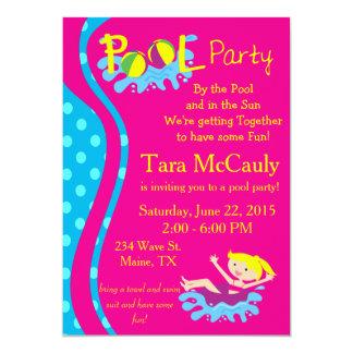 A menina de festa na piscina convida convite 12.7 x 17.78cm