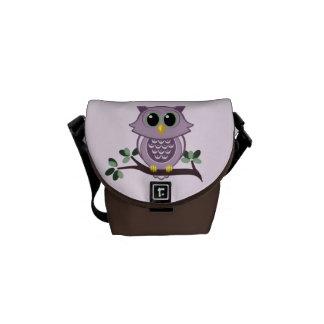 A mini bolsa mensageiro da coruja cor-de-rosa