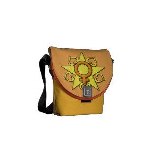 A mini bolsa mensageiro do coração brilhante