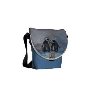 A mini bolsa mensageiro dos pinguins