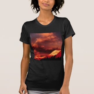 A montagem Wilber do céu incandesce Camisetas