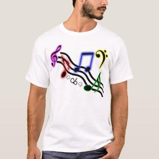 A música nota a camisa