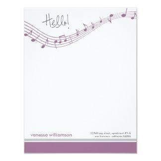 A música nota cartões de nota lisos feitos sob convite 10.79 x 13.97cm