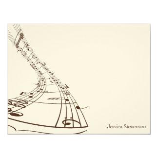 A música nota o cartão de nota liso (o chocolate) convite 10.79 x 13.97cm
