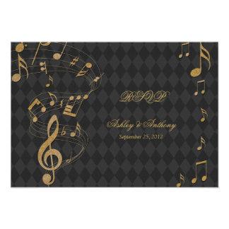 A música preta do Harlequin do ouro nota o cartão  Convite