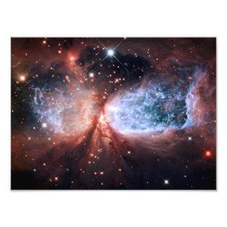 A nebulosa de Sharpless 2-106 Stars o espaço Foto