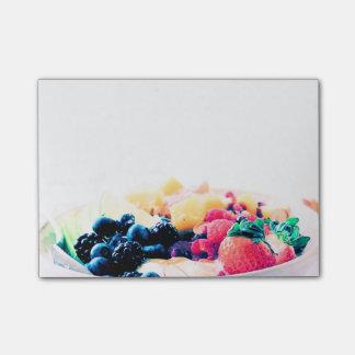 A nutrição do petisco da comida de pequeno almoço post-it note