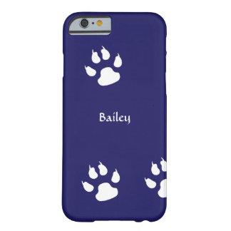 A pata do cão imprime o modelo capa barely there para iPhone 6
