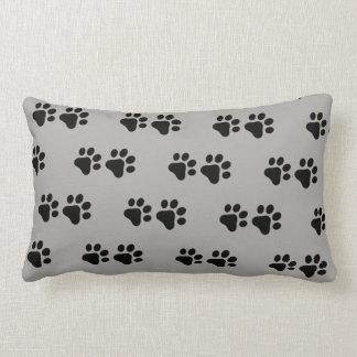 A pata do gato/cão imprime - a terra traseira do almofada lombar