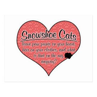 A pata do sapato de neve imprime o humor do gato cartão postal
