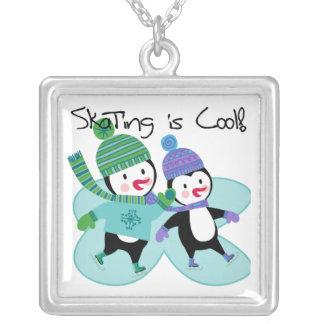 A patinagem dos pinguins é legal colar personalizado