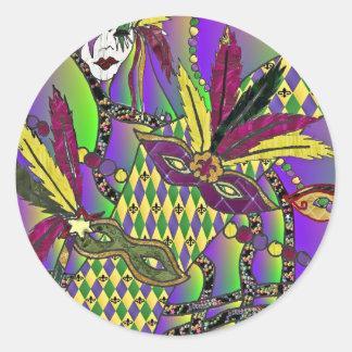 A pena psicadélico do carnaval mascara o roupa dos adesivo
