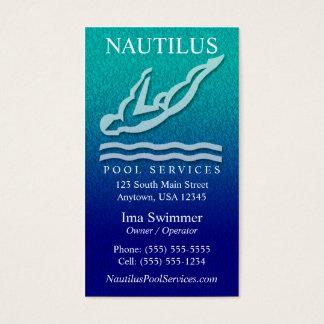 A piscina presta serviços de manutenção a cartões