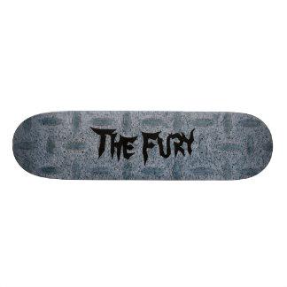 A plataforma cinzenta do skate da placa do