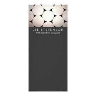 A prata elegante circunda o menu preto à moda do 10.16 x 22.86cm panfleto
