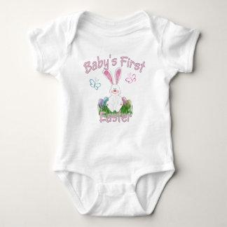 A primeira páscoa do bebê (rosa) t-shirts