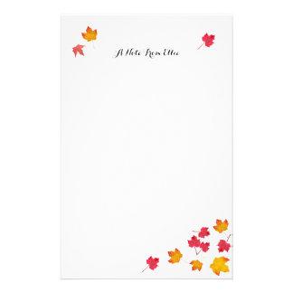 A queda vermelha deixa o papel de nota pessoal papéis personalizados