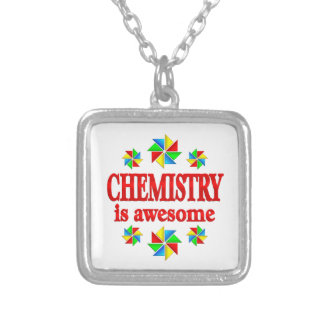 A química é impressionante colar banhado a prata