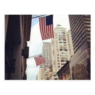 A Quinta Avenida embandeira cartão de NYC