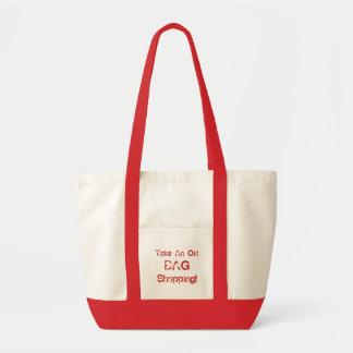 A sacola engraçada toma uma compra do saco velho,  sacola tote impulse