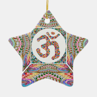 A sala da IOGA e a mantra de OM em n traseiro Ornamento De Cerâmica Estrela